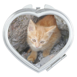 İnnocent Kitten  Heart Compact Mirror