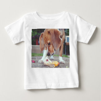 inquisitive baby T-Shirt