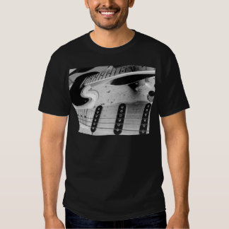 Interlocking Rythmn Tee Shirt