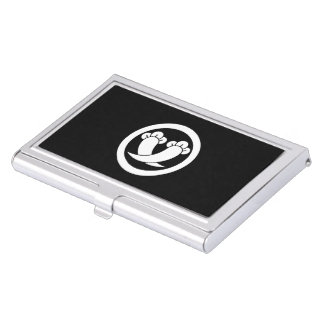 Intersecting cloves in circle business card holder