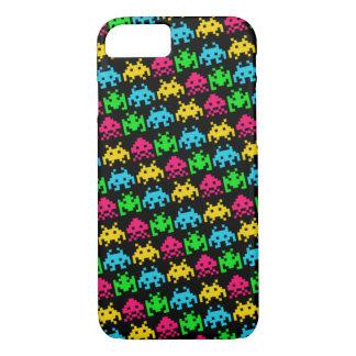 Invaders - Dark iPhone 7 Case