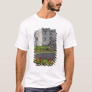 Ireland, Kilkenny. View of Kilkenny Castle. T-Shirt