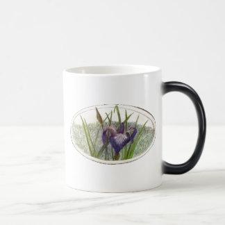 Iris_Wendy01 11 Oz Magic Heat Color-Changing Coffee Mug