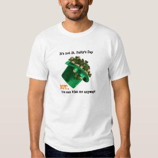 Irish Hat and shamrocks, kiss me anyway Tshirt