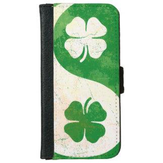 Irish Shamrock Yin Yang iPhone 6 Wallet Case