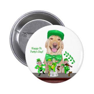 Irish Yellow Lab & Leprechauns 6 Cm Round Badge
