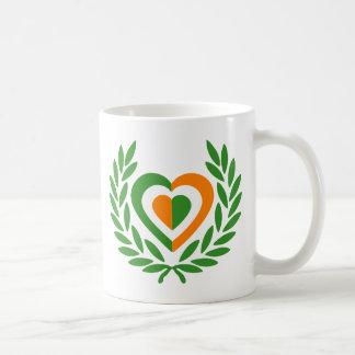 irlanda-laurel-heart-2 basic white mug