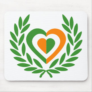 irlanda-laurel-heart-2 mousepads