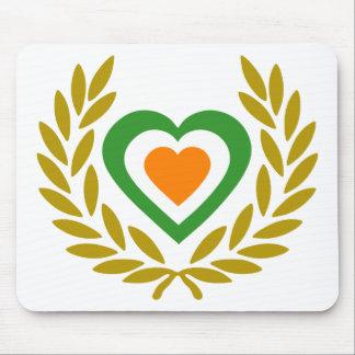 irlanda-laurel-heart-3 mousepad
