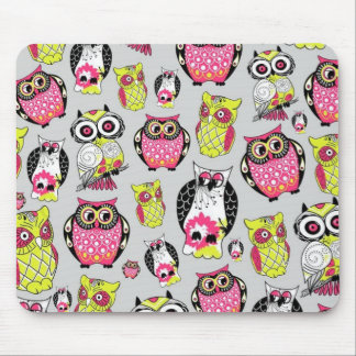 It s a hoot Quirky Retro Owl pattern Mousepads