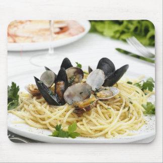 Italian cuisine. Spaghetti alle vongole. Mouse Pad