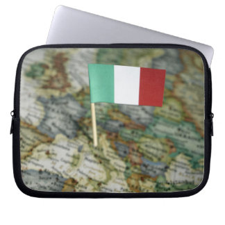 Italian flag in map laptop sleeve