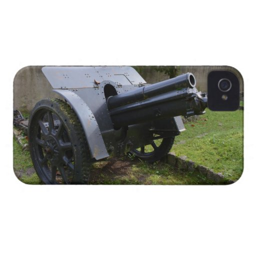 Italian World War Two Howitzer Case-Mate iPhone 4 Cases
