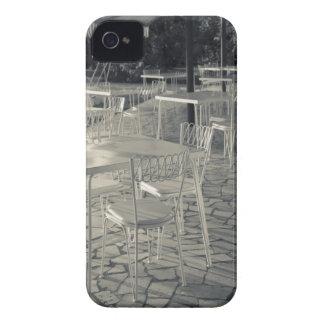 Italy, Brescia Province, Sirmione. Lakeside cafe iPhone 4 Cover