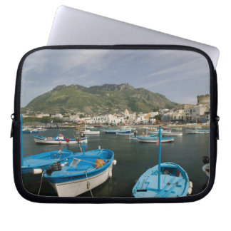 ITALY, Campania, (Bay of Naples), ISCHIA, FORIO: 2 Laptop Sleeve
