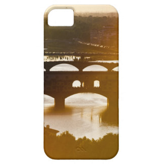 Italy, Florence, Ponte Vecchio and River Arno at iPhone 5 Cover