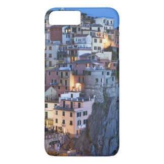 Italy, Manarola. Dusk falls on a hillside town iPhone 8 Plus/7 Plus Case