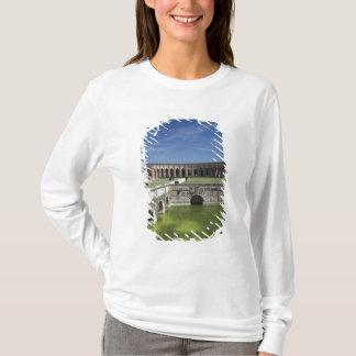 Italy, Mantua Province, Mantua. Courtyard, T-Shirt