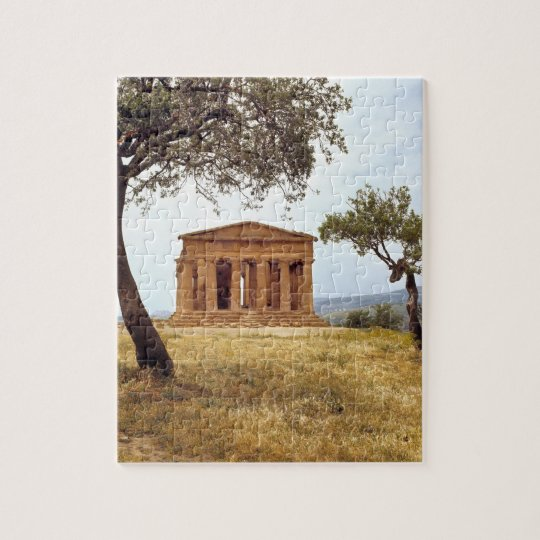 Italy, Sicily, Agrigento. The ruins of the 2