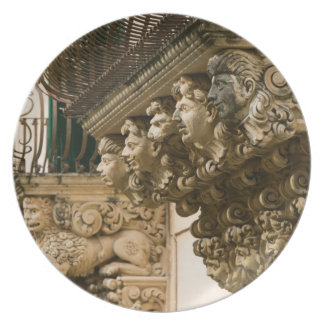 ITALY, Sicily, NOTO: Finest Baroque Town in Dinner Plate