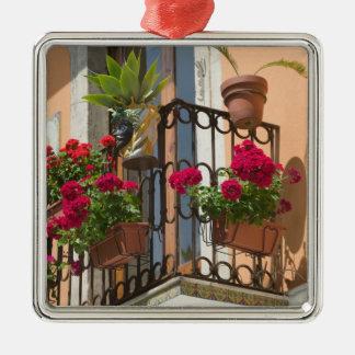 ITALY, Sicily, TAORMINA: Corso Umberto 1, Christmas Ornament