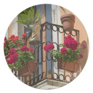 ITALY, Sicily, TAORMINA: Corso Umberto 1, Plate