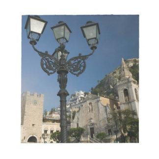 ITALY, Sicily, TAORMINA: Piazza iX Aprile, San Notepad
