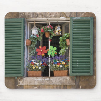 Italy, Tuscany, Siena, Window of a house in Mouse Mat