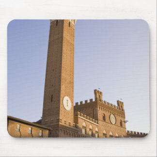 Italy, Tuscany, Sienna. Torre del Mangia on Mouse Mat