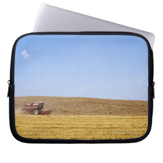 Italy. Tuscany. Val D'Orcia (Orcia Valley) Laptop Sleeve