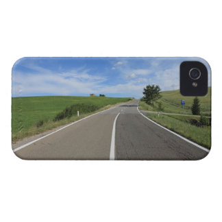 Italy, Tuscany, Val d'Orcia, Road Case-Mate iPhone 4 Cases