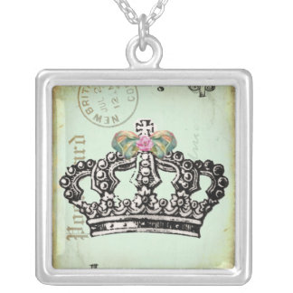 it's GooD To Be QUeeN Square Pendant Necklace
