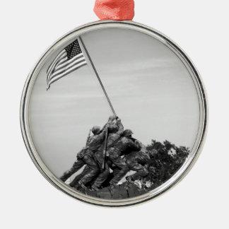 Iwo Jima Memorial Silver-Colored Round Decoration
