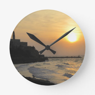 Jaffa beach 2 round clock