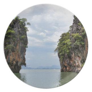 James Bond Island Plate