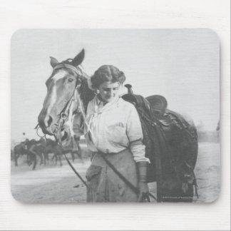 Jane Bernoudi and her horse Mouse Mat