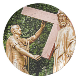 Jesus Carries Cross Plate