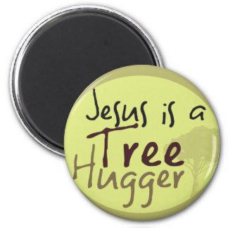 Jesus Hugs trees 6 Cm Round Magnet