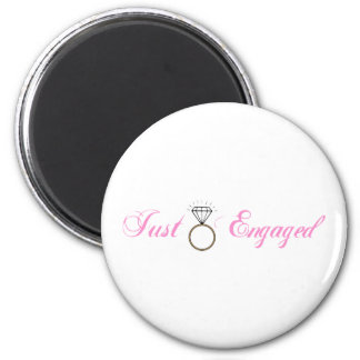 Just Engaged (Diamond Engagement Ring) 6 Cm Round Magnet