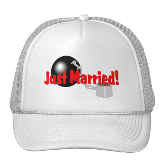 Just Married (Ball and Chain) Hat