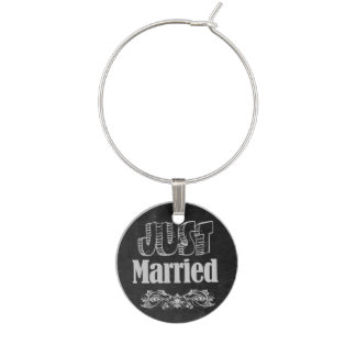 Just Married Chalkboard Style Wine Charm
