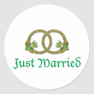 Just Married Claddagh rings Classic Round Sticker