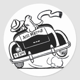 Just Married Couple in Car Round Sticker
