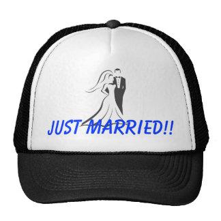 Just Married!! Honeymoon Gear Mesh Hats