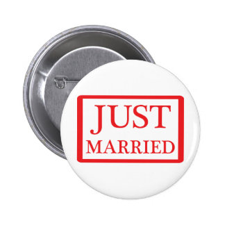 just married icon 6 cm round badge