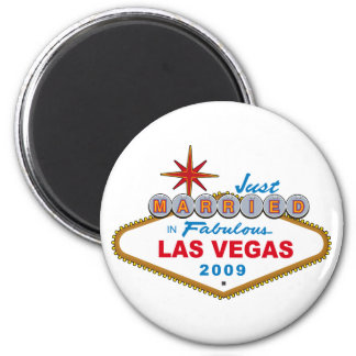 Just Married In Fabulous Las Vegas 2009 6 Cm Round Magnet