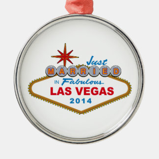 Just Married In Fabulous Las Vegas 2014 (Sign) Silver-Colored Round Decoration