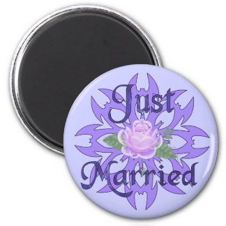 Just Married Lavender Rose 6 Cm Round Magnet