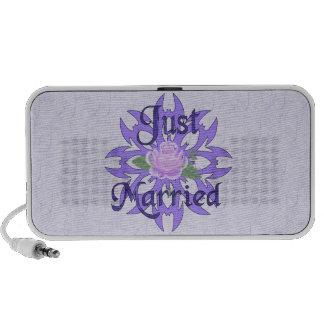 Just Married Lavender Rose Travelling Speaker