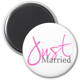 Just Married (Pink Script) 6 Cm Round Magnet